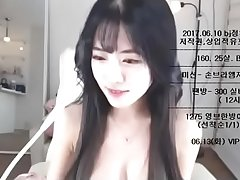 This Korean Camgirl Looks Like an Angel, join her counterfeit