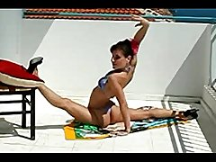 Incredible Sexy Contortionist Magdalena Stoilova Bends For You