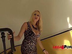 Busty Carnal knowledge machine Angel Wicky Fucks the delivery guy with intensity! GP075