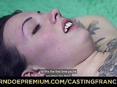 CASTING FRANCAIS - Impressive blowjob and creampie in hot audition