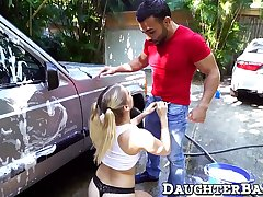 Teen bimbo thanks get under one's car washer by servicing his dick