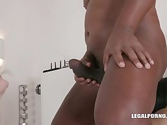 Two french bitches Luna Rival &amp_ Sophia Laure love sex &amp_ fisting divertissement