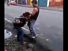 Colombian bitch making a blowjob in the magnitude of the road